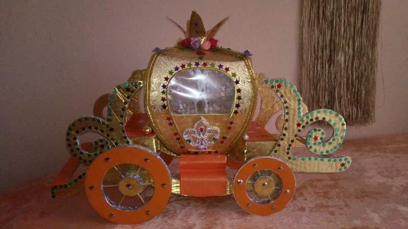 Наша елочная игрушка - карета!!!