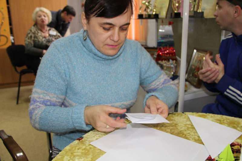 """Изготовление объемных елочек из бумаги в стиле """"оригами"""""""